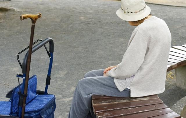 親の入居先「老人ホーム」探しは、いつからはじめたらよいですか?-(2)